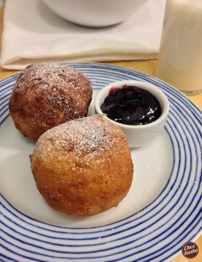 Ponchiki (Russian doughnut holes)