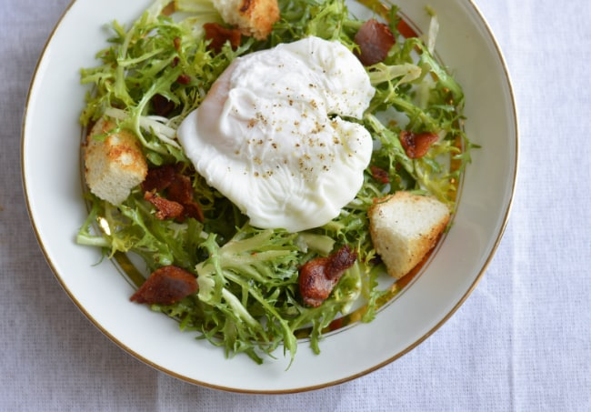 Salade Lyonnaise (poached egg and bacon salad) - The New Baguette