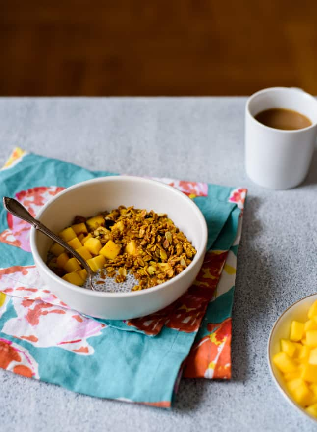 The Breakfast Club: Cardamom Chia Pudding Recipe with Mango and Turmeric Granola | The New Baguette