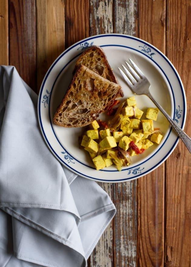 Sautéed Breakfast Tofu with Garlic, Sun-Dried Tomatoes and Turmeric   The New Baguette