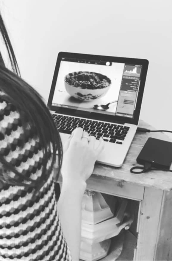 Behind the scenes of the Friendsgiving cookbook