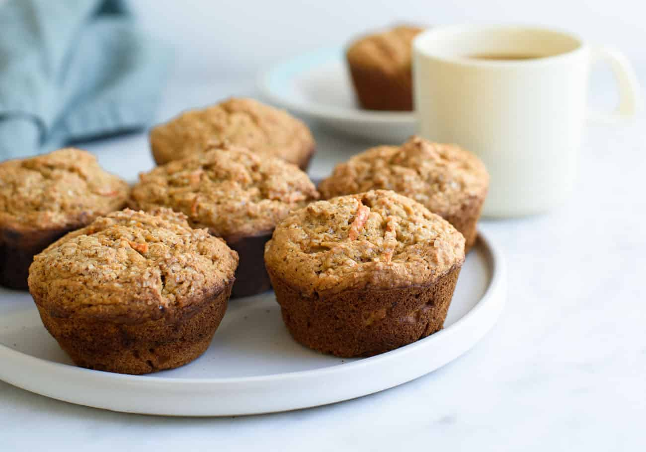 Carrot Pumpkin Muffins made with olive oil and whole wheat flour | The New Baguette #vegan #wholewheat #pumpkinmuffins #veganrecipes