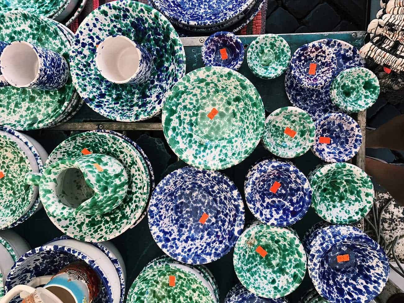 "Italian Splatterware (""Piatti Schizzati"") Ceramics at the Campo de' Fiori in Rome"