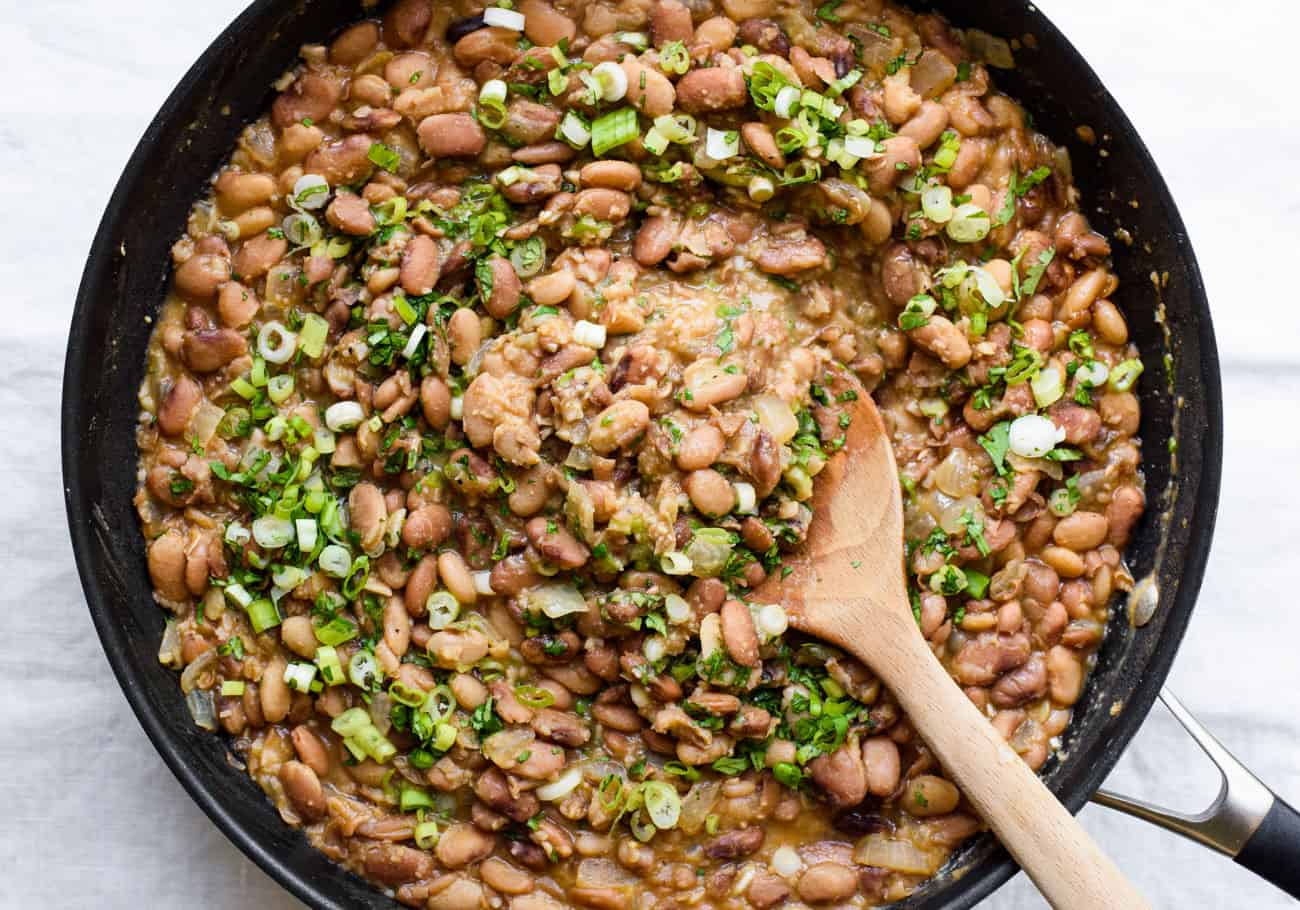 Brothy pinto beans with herbs